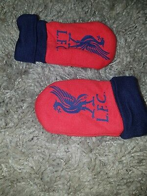 Baby Unisex Red and Navy L.F.C/LIVERPOOL  mittens.....0-12 months