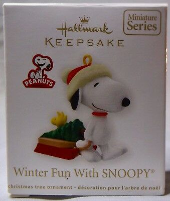 Hallmark Keepsake-Winter Fun With Snoopy-The Peanuts Gang 2012 (Mib)-Miniature