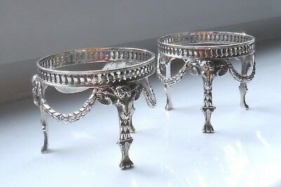 Small Vintage/antique? Silver Plated Cast Goats Mask Footed Dish/bottle Holders