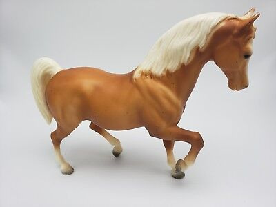 Breyer Horse Colt Blonde Tan White Posed Traditional Size Toy Retired