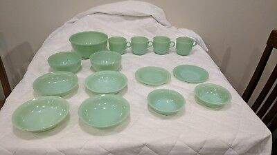 LOT OF 15 PCS Marked VINTAGE FIRE KING JADEITE BOWLS, CUPS & SAUCERS Sawtooth