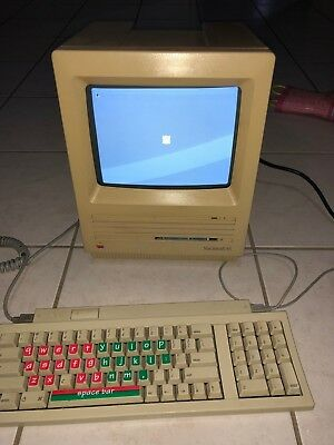 Apple Macintosh SE with 800k Floppy & 20MB SCSI HDD Computer & Keyboard & Mouse!