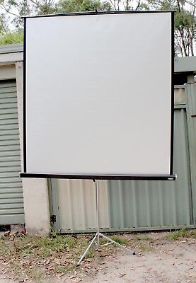 Large projection screen on tripod Austramax, film slide or digital, 1.9x1.75m