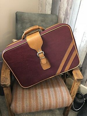 Vintage Suitcase 55cm X 34cm, In Good Condition Just Needs A Clean