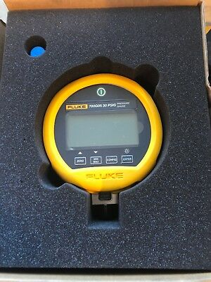 Fluke 700G05Precision Pressure Gauge Calibrator, 30Psi With Calibration