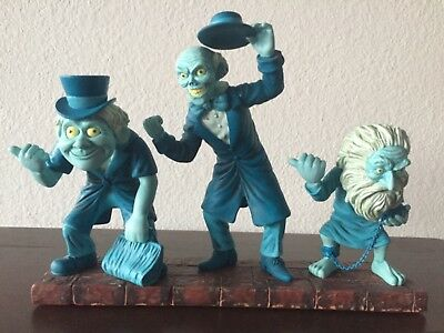 Disney's 'HAUNTED MANSION'..Hitchhiking Ghost Bobble Heads Statue