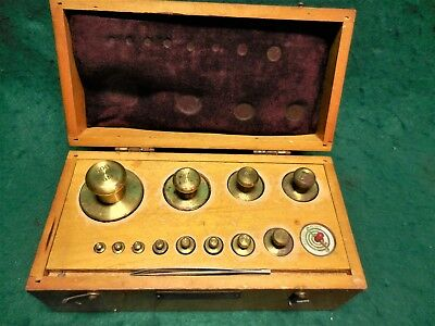 Vintage Set of 20 Scale Weights. Scientific Glass Apparatus Lab Co. Wood case