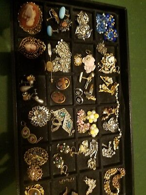 VINTAGE antique jewelry lot beautiful pieces.