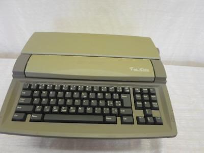 Sharp Personal Word Processor Model FW-550.Manual,Carry Case. D-0005-JBC-W41