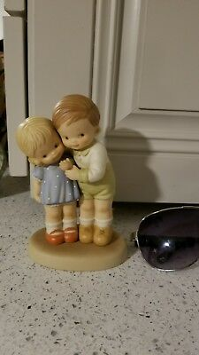 """1997 Memories of Yesterday """"We Take Care of One Another"""" Hugging Figurine"""