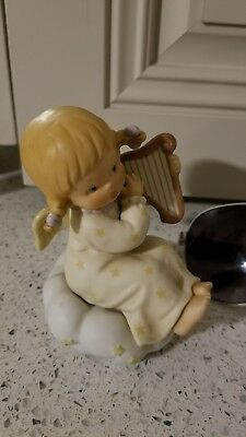 """Memories of Yesterday collector's society  """"Peace - Heavenly Peace!"""" Figurine"""