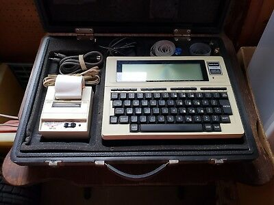 Vintage Radio Shack Tandy TRS-80 Model 100 Portable Computer with hard case