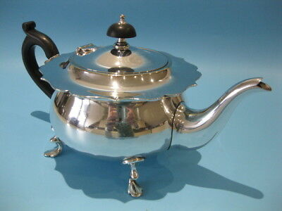 Beautiful Fine Quality Victorian Style Mappin & Webb Silver Plate Footed Tea Pot