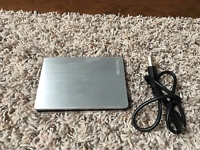Toshiba Canvio Slim II ~  1TB Portable External Hard Drive Silver- excellent