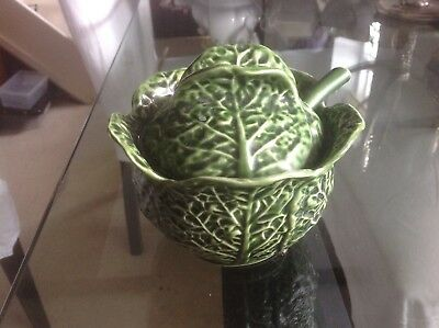 Portugal - Cabbage Leaves Small tureen with lid and ladle