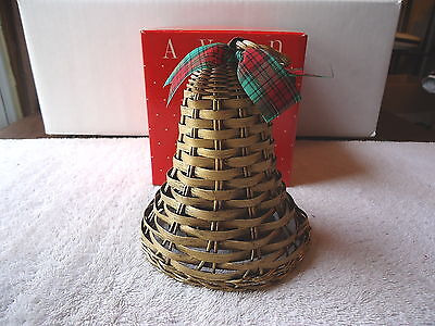 """Vintage Avon Holiday Greetings Wicker Bell """" NIB """" BEAUTIFUL COLLECTIBLE ITEM """""""