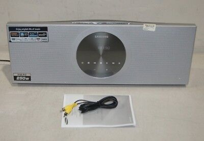 Samsung MM-D470D Micro System with iPod Dock