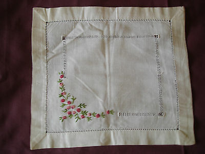 #106 Beautiful Vintage Hand-Embroidered Napkin 11''/9''(27cm/23cm)