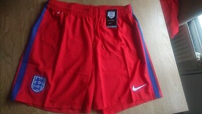 Away  Official England Nike Dry Fit Shorts (Red) Xxl RRP£28