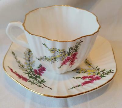 RARE VINTAGE Highland Heather FOLEY Bone China RUFFLED TEACUP & SAUCER