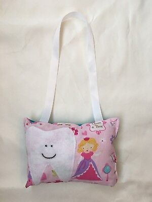tooth fairy pillow girl Princess Carriage Frog Bed Post Or Door Hanging New Pink