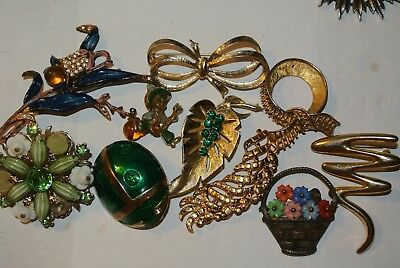 Lot Of 10 Vintage Jewelry Pc All Brooches Rhinestone Old Tin Flower Basket Nice