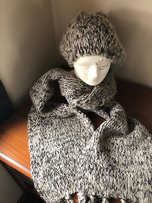 Ladies Hat And Scarf