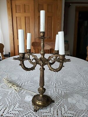 "VINTAGE ORNATE 5 BULB BRASS TONE ELECTRIC TABLE CANDELABRA LAMP 17.75""T×11.75""Wl"