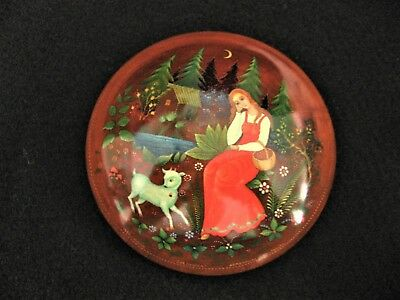 1988 RUSSIAN Hand Painted Lacquer Wooden Trinket Box Alyonushka Folk Tale Signed