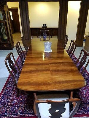 Elegant Henredon Dining Room Set Table w 2 leaves, 8 Chairs, Breakfront Buffet