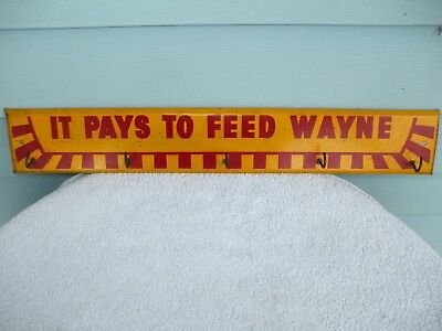 Vintage Wayne Feed Metal Sign Key Holder Feeds