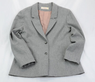 Young Pendleton Wool Blazer Size 15-16 Gray Two Button One Back Vent Gray