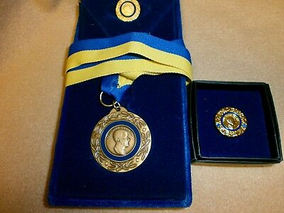 Rotary Service Paul Harris Fellow Medallion/pin/pin W/2 Sapphires