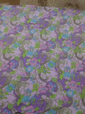 Retro Vintage PolyCotton Blend Funky Floral Sheet Fabric..