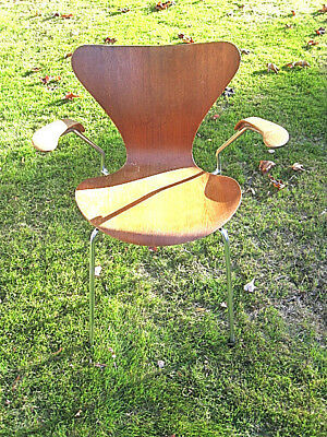 Vintage 1966 Fritz Hansen Series 7 Chair With Armrests