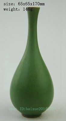 Antique Chinese hand-carved porcelain green glaze beautiful vase b01
