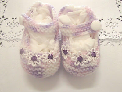 Handmade knitted Baby Booties/shoes ini 4ply baby yarn B314