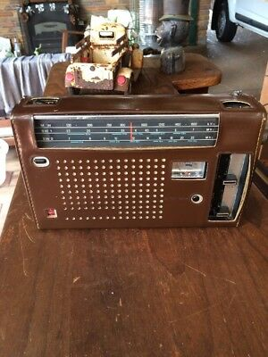 Vintage National Panasonic Super Sensative Rf Tuned Stage 3 Band Radio