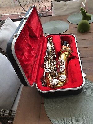 VINTAGE QUALITY ARMSTRONG 3006A ALTO SAXOPHONE IN HARD CASE. SERIAL No T 4241737