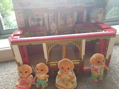 Sylvanian Families Town Series - Ride Along Tram + yellow lab family