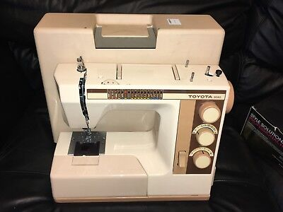 Vintage Sewing - Toyota 9060 Sewing Machine + Carry Case