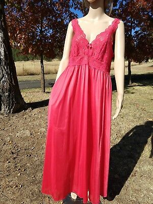 Vintage SHADOWLINE, 36-38, apple red grand sweep long nightgown with lace