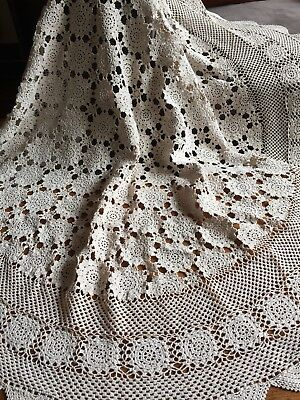 Vintage Crochet Lace Round Table Cloth Tablecloth Beige