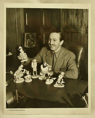 Fan Photo - Publicity Photograph Walt Disney 8x10 pinocchio