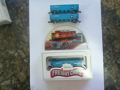 Model Trains N Scale 3 'the Rock Box Cars 1 Atsf Caboose