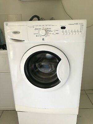 whirlpool washing machine 7.5kg Good Condition