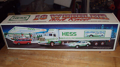 HESS Gasoline 1991 * Toy Semi with Race Car * Working * In Original Box * NEW *