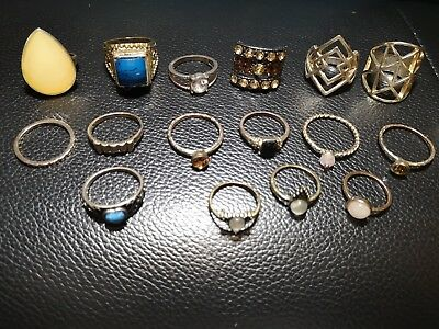 Job Lot Bundle Of Pretty Costume Jewellery Rings - Used - 16 rings in total