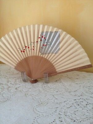 Vintage 1950'a JAPAN FOLDING HAND FAN Bamboo Carved Writing on Ends Silver & Red