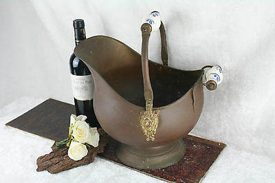 Antique Medium Copper Coal Scuttle Planter Delft handle brass lion heads